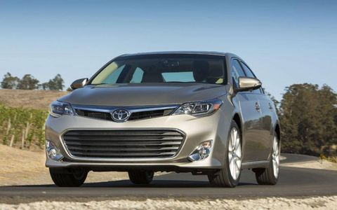 A front ground view shot of the 2013 Toyota Avalon