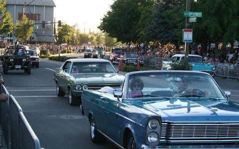 Land vehicle, Vehicle, Car, Automotive exterior, Classic car, Grille, Hood, Personal luxury car, Classic, Vehicle door,