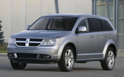Tire, Motor vehicle, Wheel, Automotive mirror, Mode of transport, Vehicle, Automotive design, Product, Transport, Land vehicle,