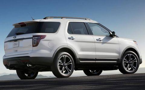 Tire, Wheel, Automotive tire, Automotive design, Vehicle, Product, Land vehicle, Rim, Car, Automotive exterior,