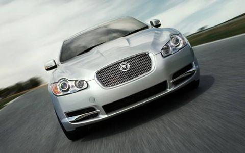 Automotive design, Vehicle, Automotive mirror, Land vehicle, Hood, Grille, Automotive lighting, Headlamp, Car, Road,