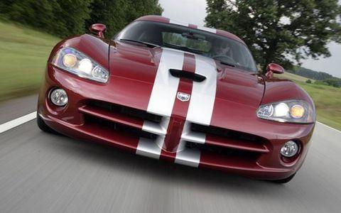 Automotive design, Vehicle, Automotive lighting, Hood, Headlamp, Land vehicle, Grille, Automotive exterior, Automotive mirror, Car,