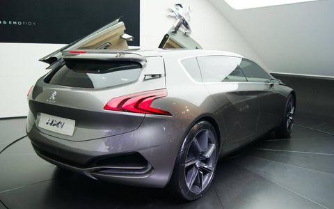 Mode of transport, Automotive design, Automotive exterior, Car, Concept car, Fender, Rim, Personal luxury car, Floor, Glass,