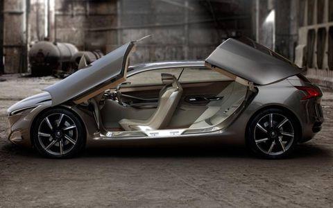 Tire, Wheel, Mode of transport, Automotive design, Vehicle, Rim, Vehicle door, Car, Alloy wheel, Concept car,