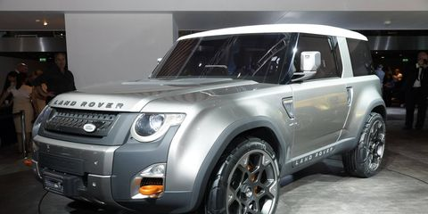 Tire, Wheel, Automotive tire, Automotive design, Automotive exterior, Vehicle, Automotive lighting, Rim, Land vehicle, Hood,