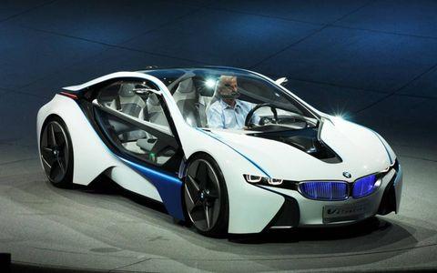 Mode of transport, Automotive design, Vehicle, Automotive mirror, Automotive exterior, Car, Vehicle door, Supercar, Rim, Personal luxury car,