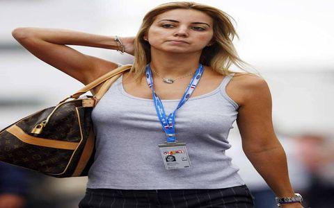 Felipe Massa's wife Anna Rafaela. Lucky guy.