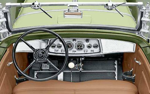 Motor vehicle, Steering part, Mode of transport, Steering wheel, Classic car, Car, Antique car, Classic, Vehicle door, Speedometer,
