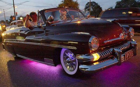 Motor vehicle, Automotive design, Vehicle, Land vehicle, Classic car, Vehicle door, Car, Automotive exterior, Automotive lighting, Fender,