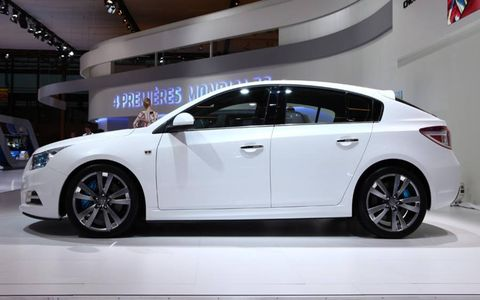 Wheel, Automotive design, Vehicle, Car, Alloy wheel, Rim, Automotive wheel system, Mid-size car, Automotive tire, Logo,