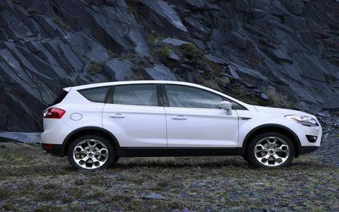 Tire, Wheel, Motor vehicle, Automotive tire, Automotive design, Vehicle, Land vehicle, Automotive mirror, Car, Rim,