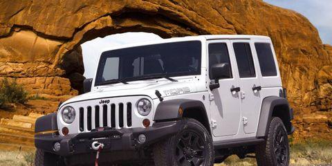 Tire, Motor vehicle, Wheel, Automotive tire, Mode of transport, Automotive design, Automotive exterior, Natural environment, Vehicle, Glass,
