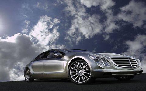 Wheel, Mode of transport, Automotive design, Automotive mirror, Automotive lighting, Vehicle, Transport, Headlamp, Hood, Grille,