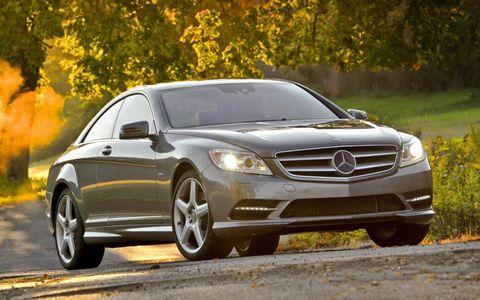 Tire, Wheel, Automotive design, Mode of transport, Vehicle, Alloy wheel, Car, Rim, Mercedes-benz, Automotive parking light,