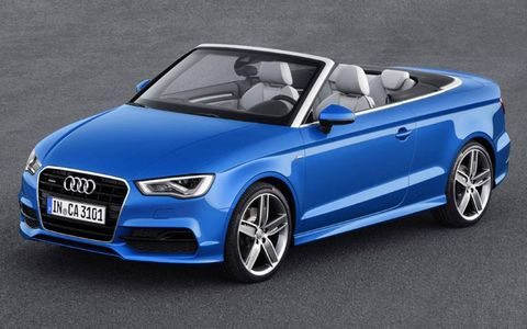 Tire, Mode of transport, Automotive design, Vehicle, Automotive mirror, Hood, Car, Automotive exterior, Vehicle door, Alloy wheel,