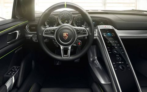 The 918 Spyder gets an interior design suitable for a high-tech hypercar.
