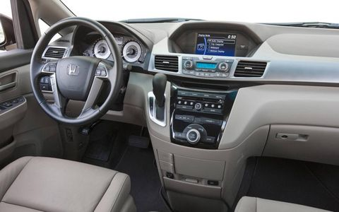Motor vehicle, Steering part, Product, Automotive design, Steering wheel, Electronic device, Vehicle audio, Center console, Car, White,