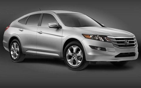 Tire, Motor vehicle, Wheel, Automotive design, Product, Vehicle, Automotive tire, Land vehicle, Transport, Automotive lighting,