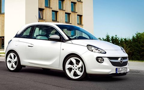 The Opel ADAM White Link does indeed remind us of a certain smartphone.
