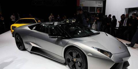 Tire, Wheel, Mode of transport, Automotive design, Vehicle, Land vehicle, Event, Rim, Car, Supercar,