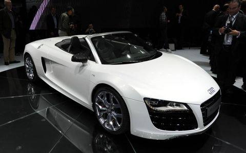 Automotive design, Vehicle, Event, Land vehicle, Car, Personal luxury car, Auto show, Exhibition, Audi, Grille,