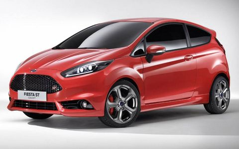 Tire, Motor vehicle, Wheel, Automotive mirror, Mode of transport, Automotive design, Product, Vehicle, Automotive tire, Transport,