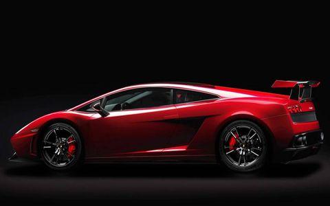 Tire, Wheel, Automotive design, Mode of transport, Vehicle, Transport, Land vehicle, Car, Rim, Automotive exterior,