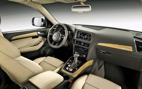 A look inside the interior of the 2013 Audi Q5.