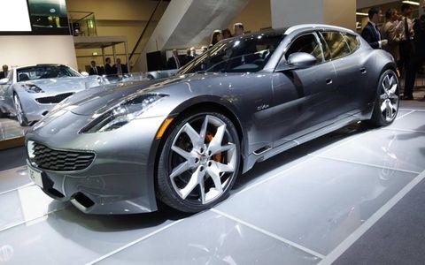 Tire, Wheel, Mode of transport, Automotive design, Vehicle, Land vehicle, Event, Rim, Car, Performance car,