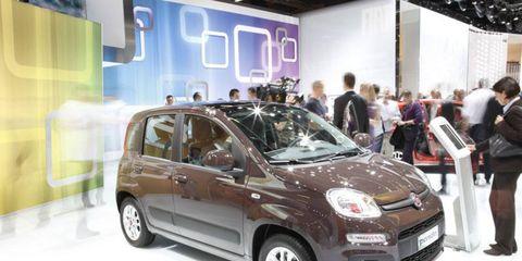 Motor vehicle, Tire, Automotive design, Vehicle, Car, Automotive lighting, Auto show, Automotive mirror, Vehicle door, Headlamp,