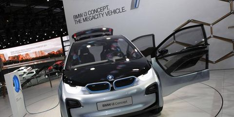Automotive design, Vehicle, Automotive mirror, Automotive exterior, Land vehicle, Car, Hood, Automotive lighting, Bumper, Vehicle door,