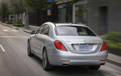 Mode of transport, Vehicle, Road, Automotive design, Car, Mercedes-benz, Personal luxury car, Automotive lighting, Vehicle registration plate, Luxury vehicle,
