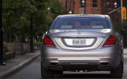 Mode of transport, Automotive design, Mercedes-benz, Car, Automotive exterior, Vehicle registration plate, Automotive lighting, Luxury vehicle, Personal luxury car, Bumper,