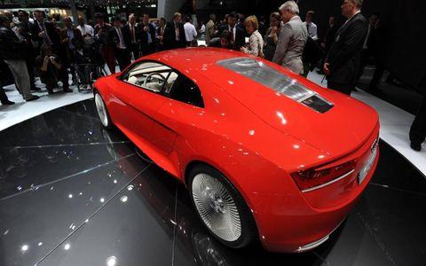 Tire, Automotive design, Vehicle, Event, Land vehicle, Car, Performance car, Personal luxury car, Concept car, Auto show,