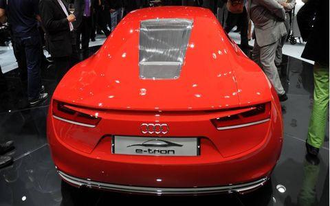 Automotive design, Event, Vehicle, Shoe, Car, Exhibition, Auto show, Concept car, Fashion, Personal luxury car,