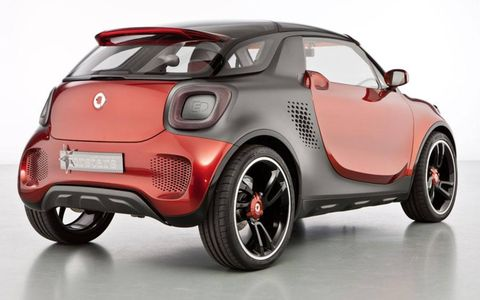 A rear angle view of the Smart forstars concept.