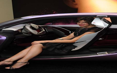 Automotive design, Vehicle door, Automotive exterior, Car, Luxury vehicle, Personal luxury car, Automotive mirror, Car seat, Performance car, Model,