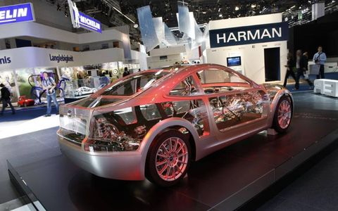 Tire, Automotive design, Vehicle, Event, Car, Alloy wheel, Auto show, Exhibition, Rim, Automotive wheel system,