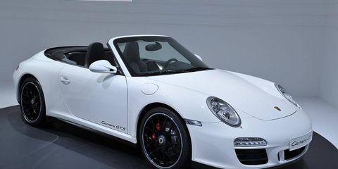 Tire, Wheel, Automotive design, Vehicle, Land vehicle, Car, Alloy wheel, Rim, Spoke, Fender,