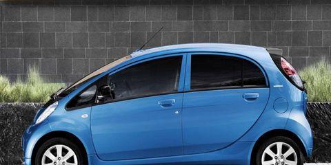Paris Motor Show: Peugeot iOn