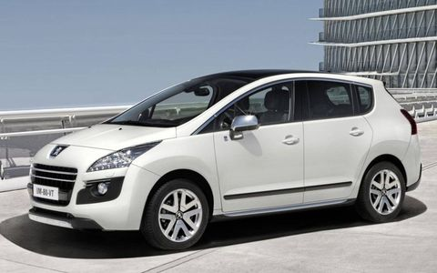 Paris Motor Show: Peugeot 3008 HYbrid4