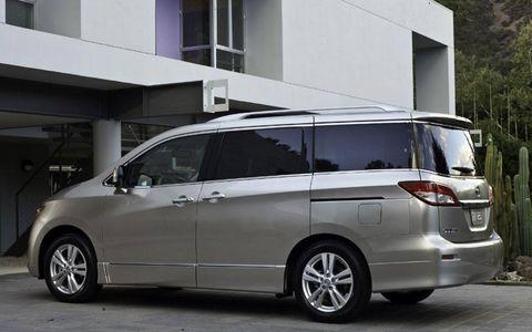 Tire, Wheel, Mode of transport, Automotive mirror, Transport, Vehicle, Automotive design, Land vehicle, Window, Glass,