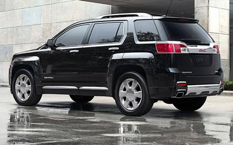 Tire, Wheel, Automotive tire, Automotive design, Vehicle, Automotive exterior, Rim, Car, Automotive tail & brake light, Alloy wheel,