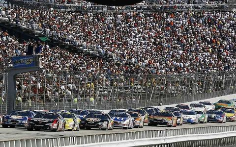 Kyle Busch leads the field at the start