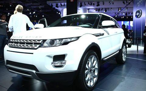 Tire, Wheel, Automotive design, Product, Vehicle, Land vehicle, Event, Car, Headlamp, Grille,