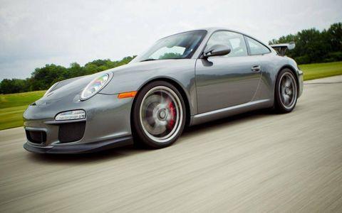 2010 Porsche 911 GT3.