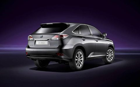 The 2013 Lexus RX 450h is powered by a 3.5-liter V6 hybrid engine.