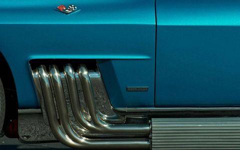 Motor vehicle, Blue, Automotive exterior, Green, Automotive lighting, Teal, Turquoise, Electric blue, Aqua, Classic car,