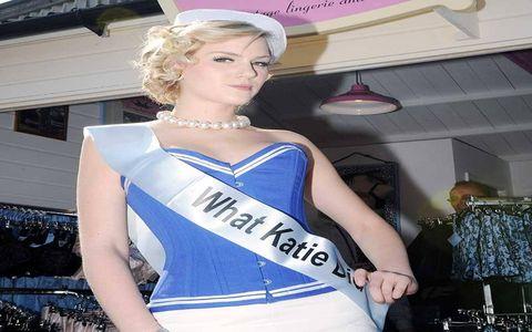 Hairstyle, Shoulder, Style, Eyelash, Dress, Fashion accessory, Fashion, Beauty, Electric blue, Sleeveless shirt,