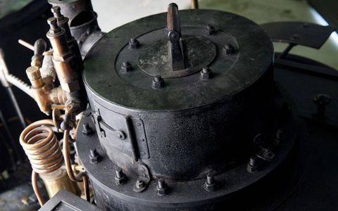 Machine, Cylinder, Gas, Automotive engine part, Engine, Nut, Fuel line,